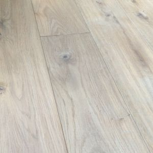 Lecco Brushed White Washed Engineered Oak Wood Flooring 125 x 18/5mm