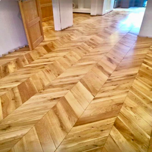 Natural Smooth Oak Chevron Engineered Wood Flooring 400 x 18/5mm